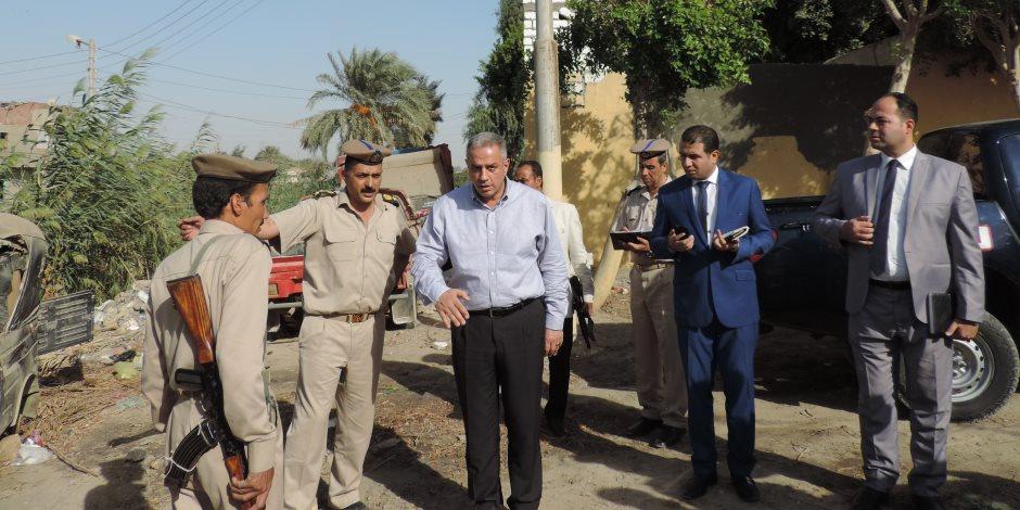 القبض على 7 متهمين بالفيوم بينهم أردني ومدرسين جامعيين بحوزتهم قطع مشتبه في أثريتها