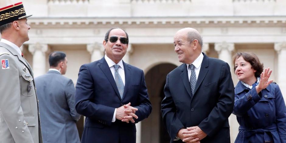 خلال زيارته إلى باريس.. الرئيس السيسي يلتقى وزير المالية الفرنسى