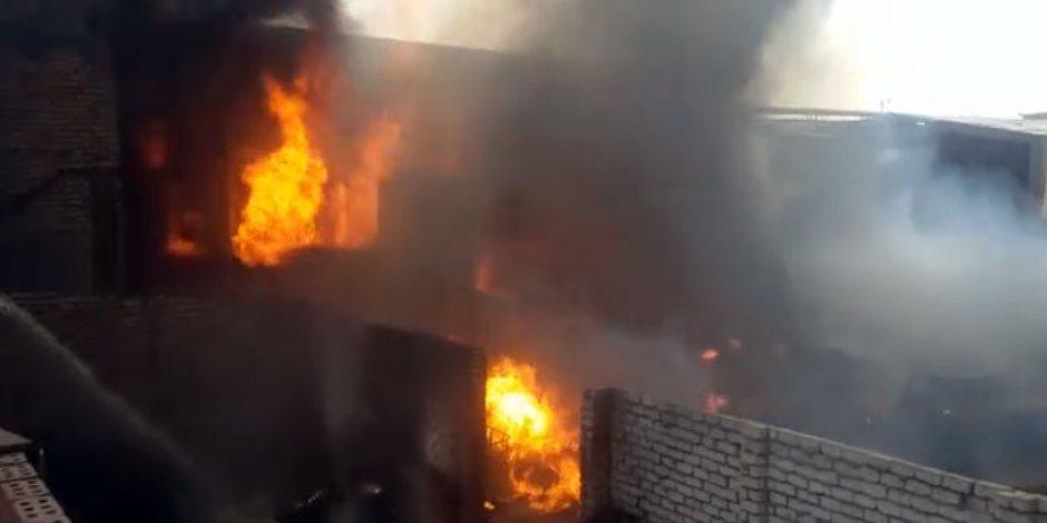 السيطرة علي حريق في شركة تكييف بالعاشر من رمضان