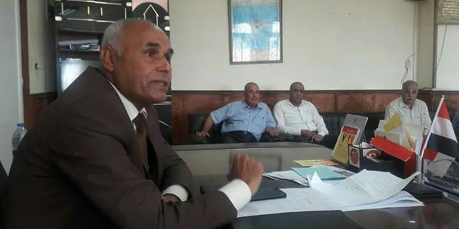 تنفيذي بئر العبد يبحث احتياجات المواطنين والتزام الموظفين بالعمل (صور)