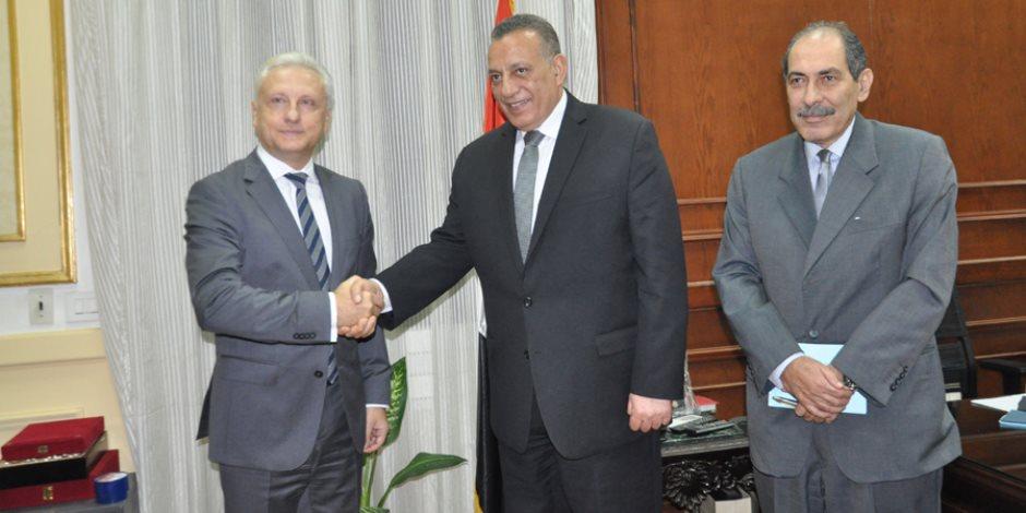 محافظ الجيزة: بحث أوجه التعاون مع دولة بيلاروسيا في مجال معدات نظافة المدن