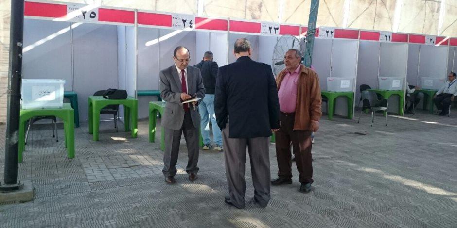بدء التصويت بانتخابات نادي النصر ( صور )