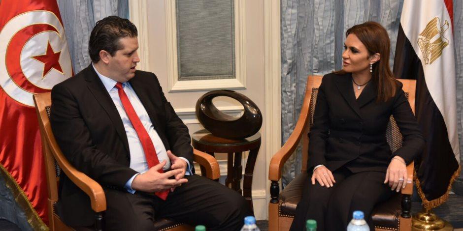 سحر نصر ووزير التجارة التونسي يبحثان ضخ استثمارات جديدة في مصر