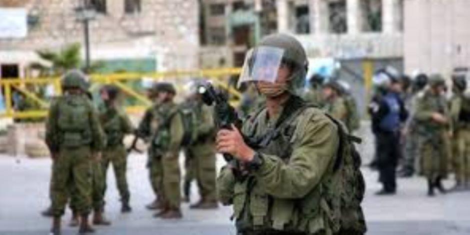 اعتقال 15 فلسطينيا في حملة مداهمات بالضفة