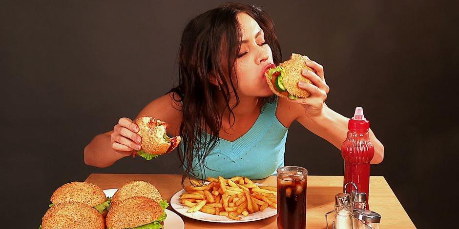 نظام غذائى قاتل.. دراسة تحذر من أطعمة الدهون