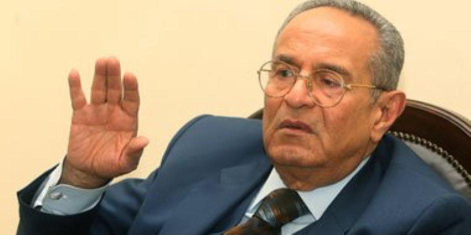 """""""أبوشقة"""" يطالب بالتفرقة بين الأخصائي الاجتماعي وهيئة المحكمة في قضايا الأسرة"""