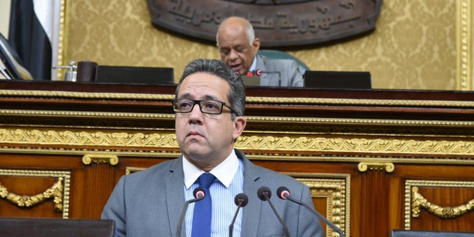 خالد العناني: إقامة 3 معارض دولية ضخمة للآثار المصرية الشهر الجاري