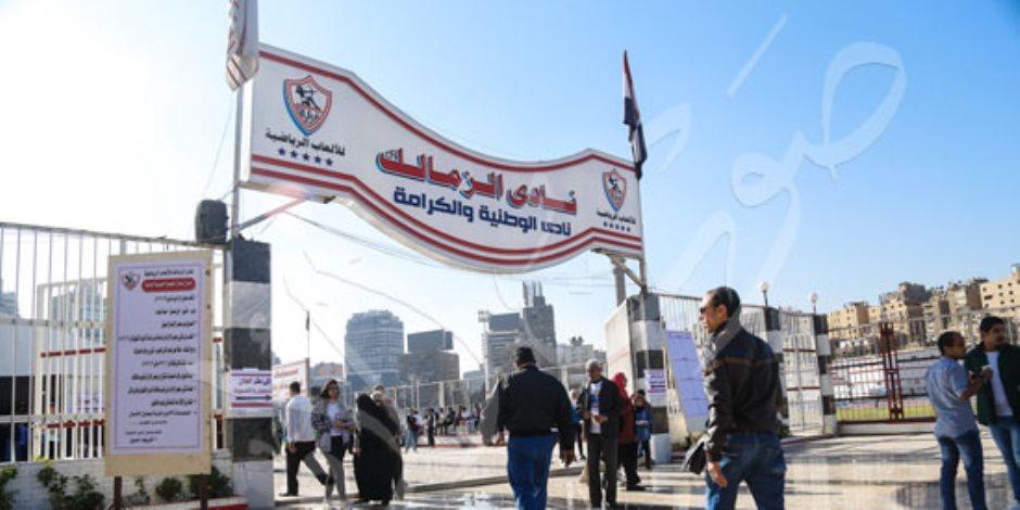 انتخابات الزمالك.. وكيل أعمال عمر جابر يشتبك مع مرتضى منصور (صور)