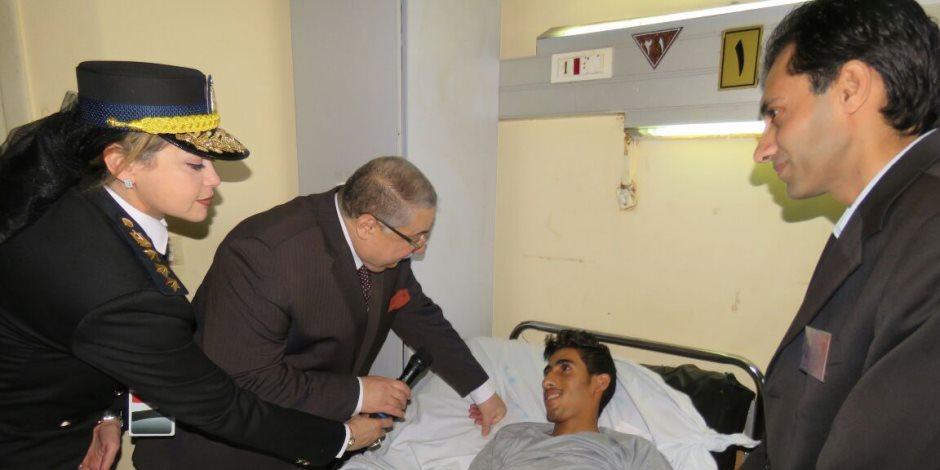 مساعد وزير الداخلية لقطاع حقوق الإنسان يزور مصابي حادث مسجد الروضة (صور)