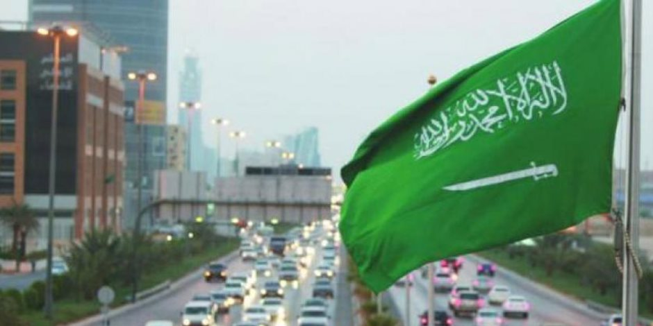 السواك مقابل السجائر.. حملة سعودية لمواجهة التدخين في الحرم المكي