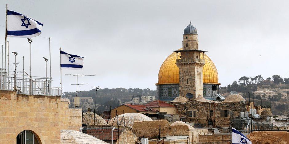 القدس عربية.. 3 سيناريوهات لقرار نقل السفارة الأمريكية من تل أبيب