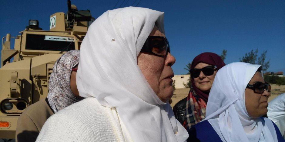وفد من جمعية الحصري للأعمال الخيرية يزور زوجات وأمهات شهداء الروضة (صور)