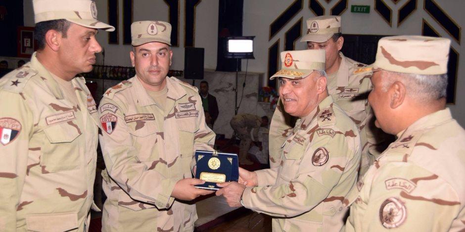 وزير الدفاع: القوات المسلحة حريصة على بناء قدراتها البشرية وتطوير مكانتها القتالية