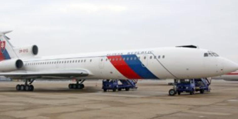 """روسيا: السلطات البريطانية فتشت طائرة """"لايروفلوت"""" فى مطار هيثرو بلندن"""