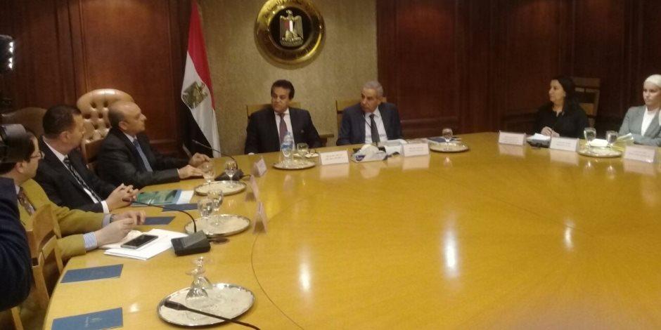 وزيرا التجارة والصناعة والتعليم العالي والبحث العلمي يبحثان تعزيز دور التكنولوجيا الحديثة في تطوير وتحديث الصناعة المصرية