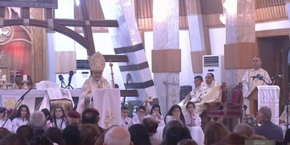 العراق ينتصر.. كنيسة بغداد تدق أجراس أول قداس للاحتفال بأعياد الميلاد (صور)