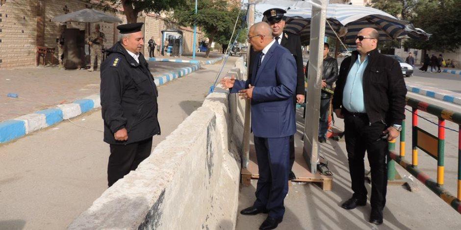 مدير أمن مطروح يجري بروفات على تأمين الكنائس .. (صور )