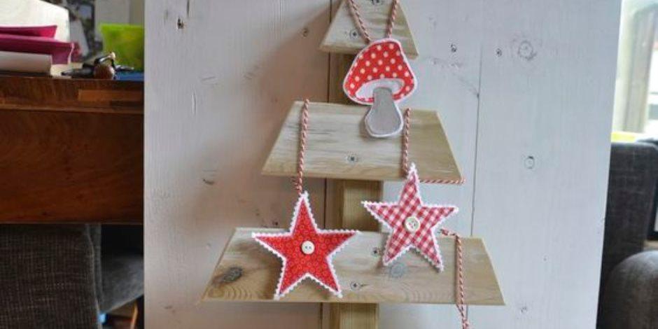 من الزراير والخشب هتعملى شجرة عيد الميلاد بخامات بسيطة ومتوفرة فى المنزل