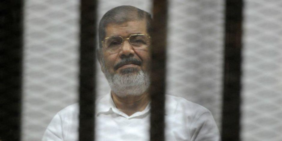 القضاء الإداري يؤجل دعوى أبناء محمد مرسي لرؤية والدهم بالسجن