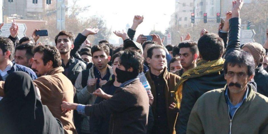 """نجل شاه إيران مشجعاً المظاهرات: """"شعبنا سيتذكر صمت أصدقائه"""""""