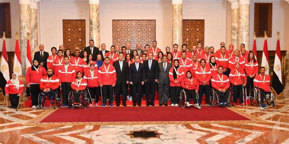 السيسى يمنح أوسمة الجمهورية للأبطال الرياضيين (صور)
