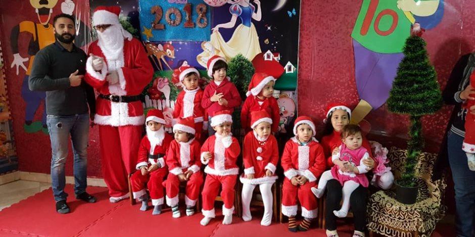 في الكريسماس.. احتفال الأطفال شكل تاني (صور)