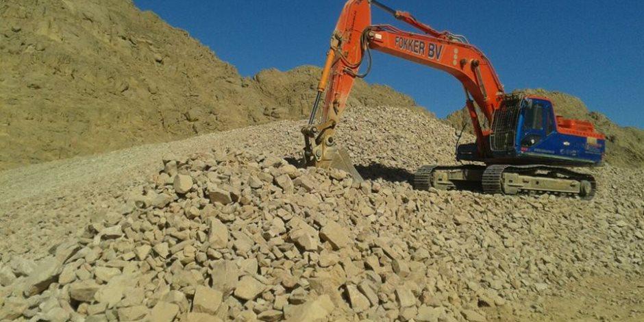 تنفيذ 30% من أعمال سد فالق لحماية مدينة الغردقة من أخطار السيول (صور وفيديو)