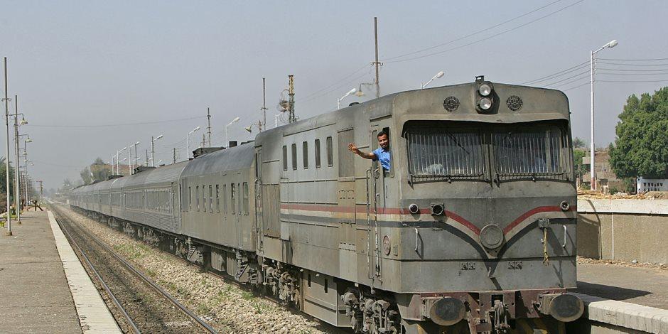 مصرع طفل صدمه قطار أثناء عبوره السكة الحديد بالحوامدية