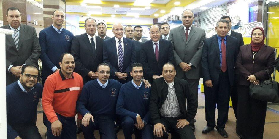 """وزير الدولة للإنتاج الحربي يفتتح 3 معارض للمنتجات المدنية بـ""""الإسكندرية"""""""