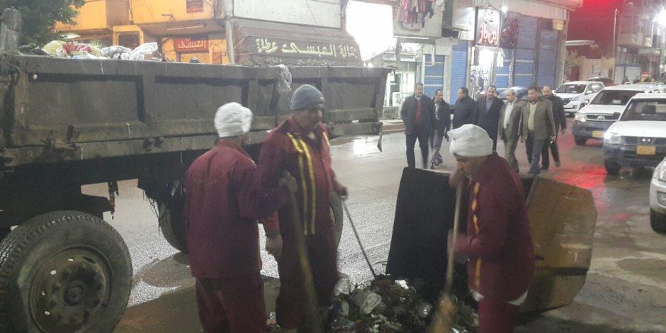 زوغوا من الشغل.. مساعد محافظ كفر الشيخ يحيل 10 موظفين للتحقيق خلال جولة ليلية