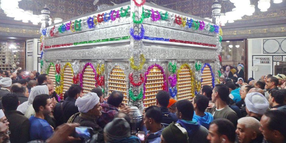 """رفع كفاءة ميدان """"المشهد الحسينى"""" بعد انتهاء احتفالات المولد"""