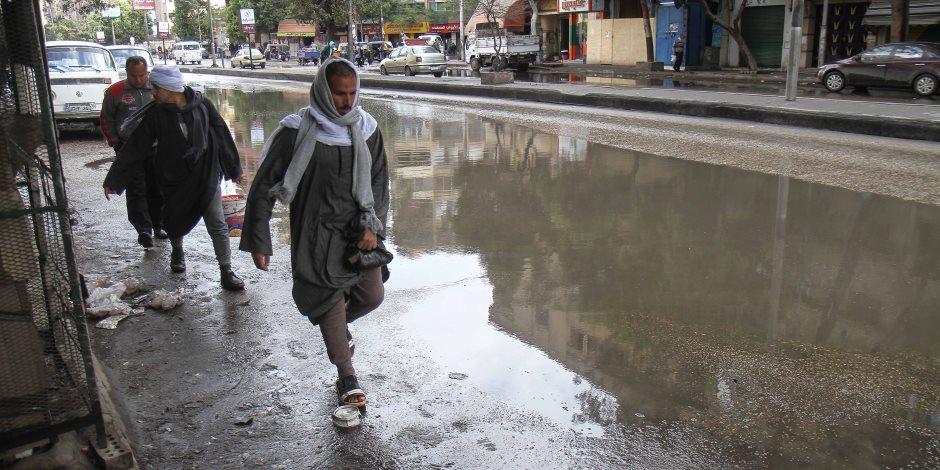 السيول تفاجئ المسئولين وتأتي في موعدها.. كيف غرقت القاهرة وضواحيها في شبر مياه؟