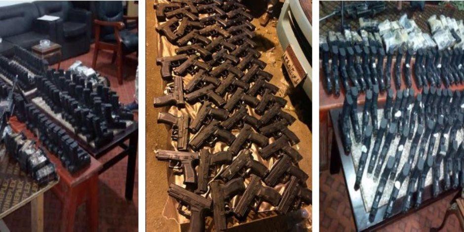 الداخلية تكشف تفاصيل إحباط تهريب ترسانة أسلحة وجرينوف إلى سيناء (صور )