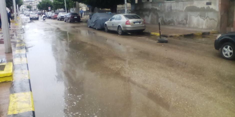 أمطار غزيرة على دمياط واستمرار توقف حركة الصيد (صور)