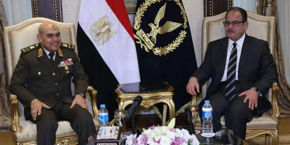 وزير الدفاع ورئيس الأركان يزوران وزارة الداخلية للتهنئة باحتفالات الشرطة  (صور)