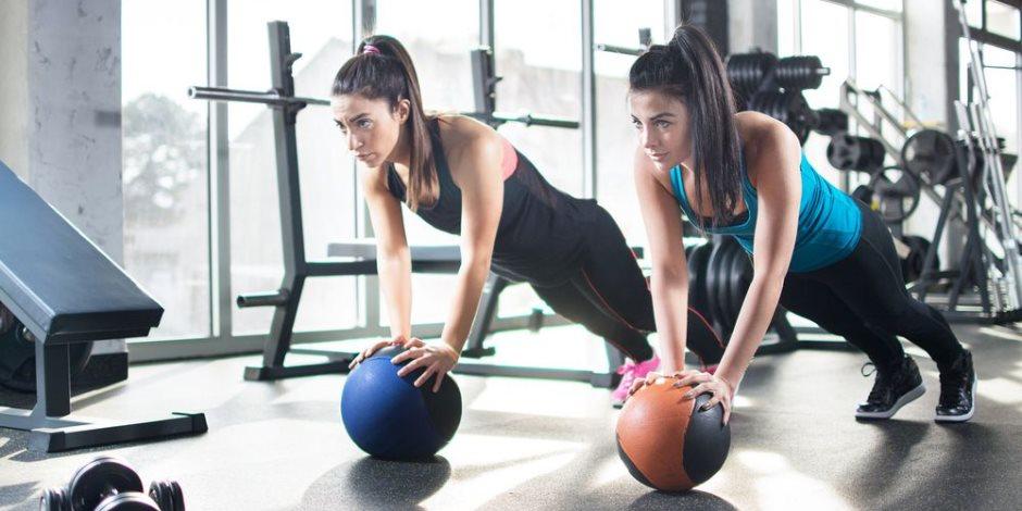 الأكل لد دور أساسي.. تعرف كيف تقوي عضلاتك وتنقص وزنك في نفس الوقت