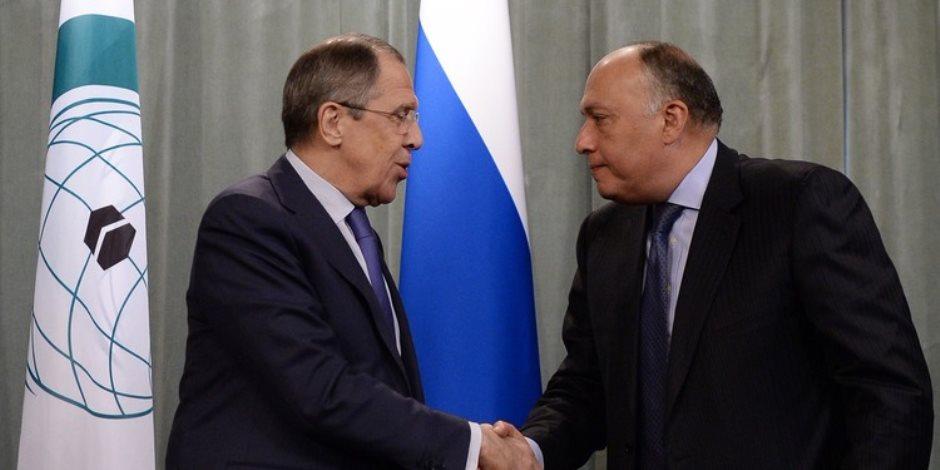 وزير الخارجية يبحث مع نظيره الروسي القضية الفلسطينية في اتصال هاتفي