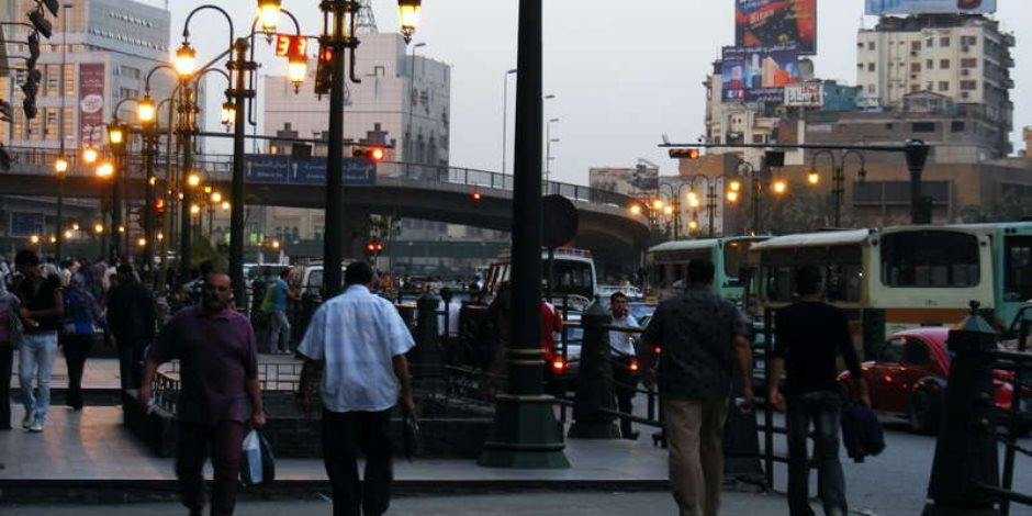عمليات المرور تحذر من الزحام بطريق رمسيس حتى جامعة الأزهر لمدة 3 أيام