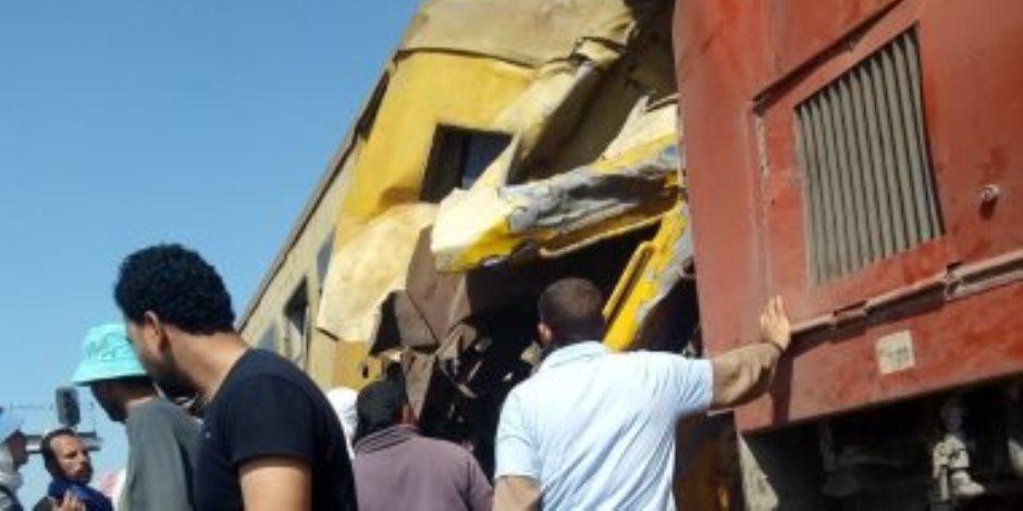 انفصال عربتى قطار في البحيرة ووفاة 16 شخصا وإصابة العشرات (صور)
