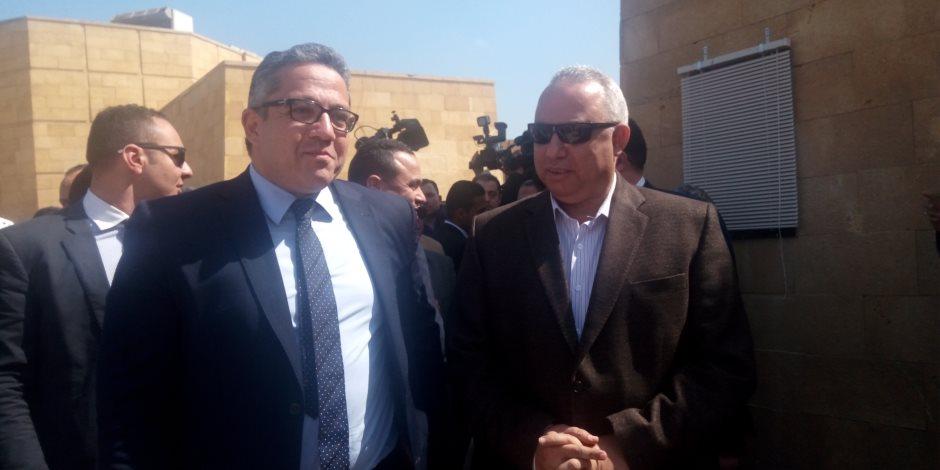 خالد العناني يصل الشرقية لافتتاح متحف الآثار بتل بسطة (صور)