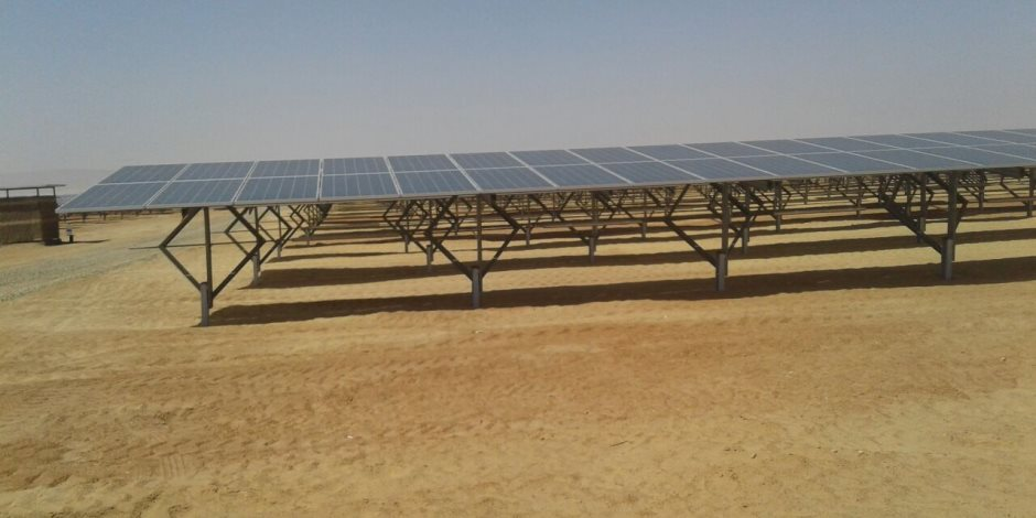 التابلت المحلي ومحطات طاقة شمسية.. إليك خريطة مشروعات الاتصالات والإنتاج الحربي