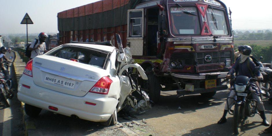 الصحة: إصابة 25 مواطنا في حادث تصادم سيارتين بطريق دسوق قلين