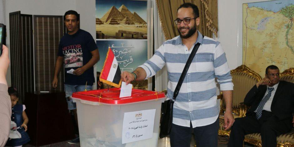 تزايد إقبال المصريين على السفارة بالبحرين للإدلاء بأصواتهم في اليوم الثالث من الانتخابات (صور)
