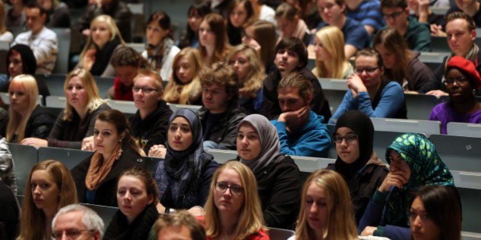 تقرير: الطلاب المسلمون يتعرضون لمضايقات بالجامعات فى بريطانيا