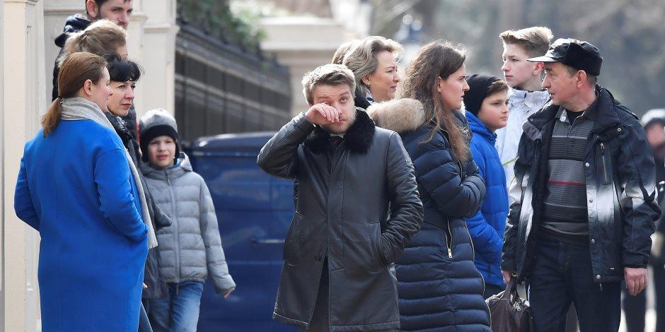 الخروج الكبير.. 23 دبلوماسي روسي يغادرون بريطانيا (صور)