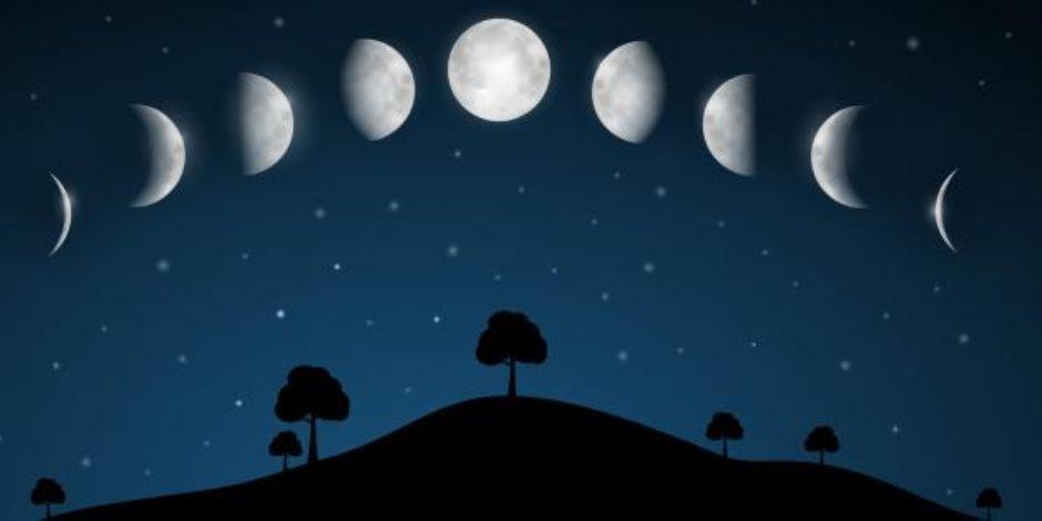 """""""الخرافات السبع"""".. أساطير تأثير القمر على البشر"""