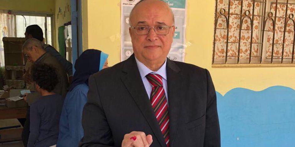 منسق حملة السيسي يدلي بصوته في الانتخابات الرئاسية (صور)