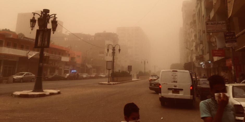 إعادة فتح طرق بالبحر الأحمر واستمرار إغلاق طريق (سفاجا _سوهاج) بسبب الطقس