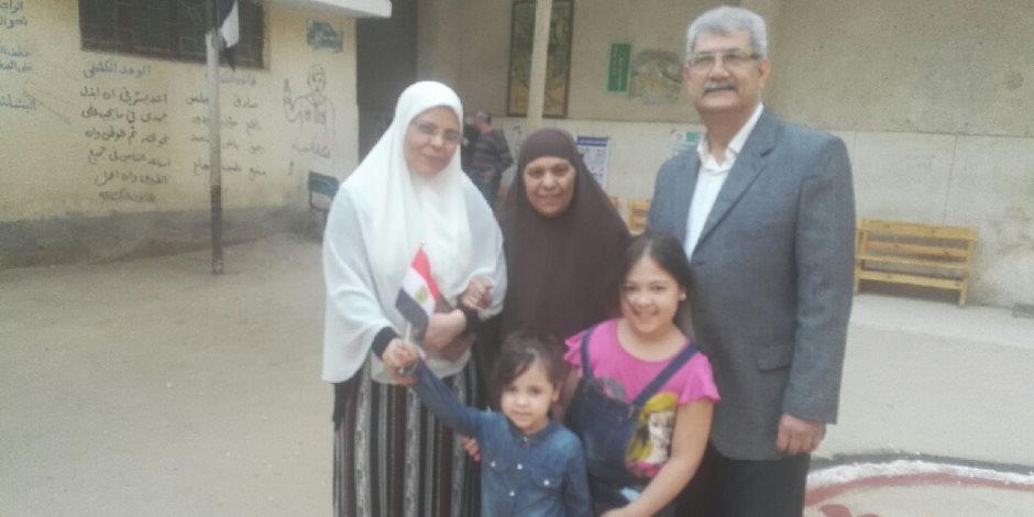 مسنة ببني سويف: «انتخبت السيسي علشان عمل حاجات حلوة كتير لمصر » (فيديو وصور)