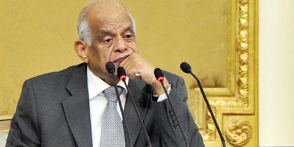 عبد العال يحيل تحديد مرتبات نائب رئيس الجمهورية ورئيس مجلس الوزراء إلي قوي البرلمان
